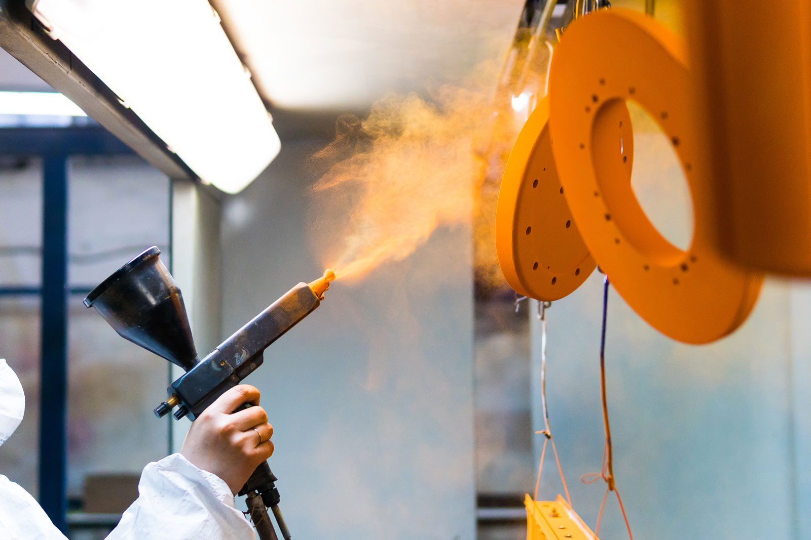 the benefits of powder coating finish for metal fabrication
